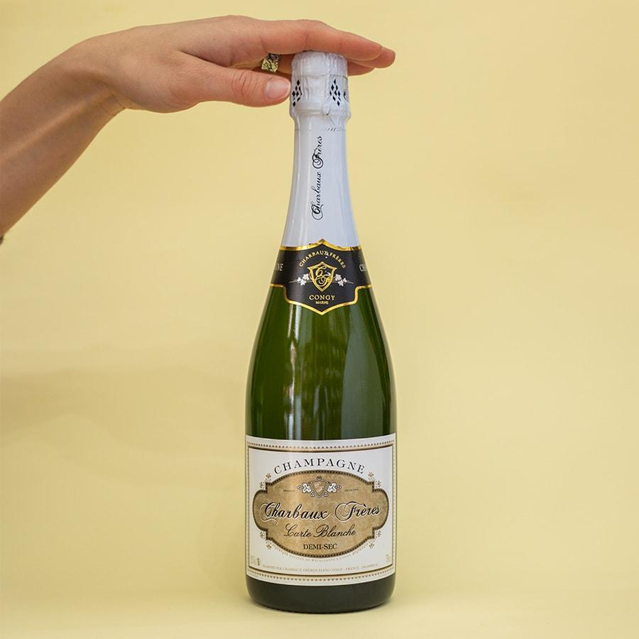 Champagne Carte Blanche demi sec.